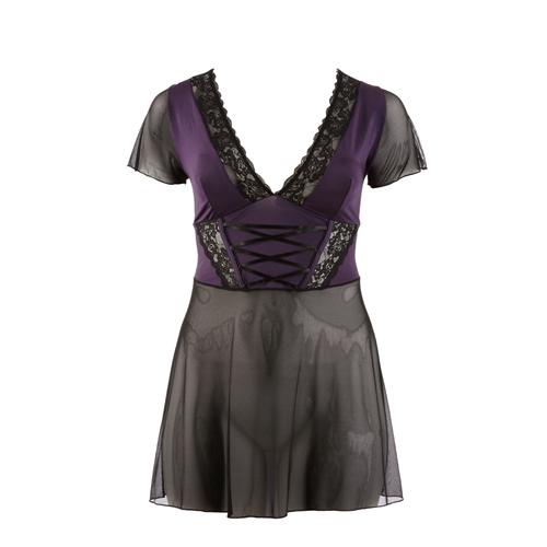 Chic paars met zwart jurkje