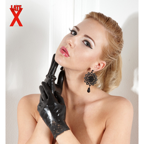 analmassage frauen in latex bilder